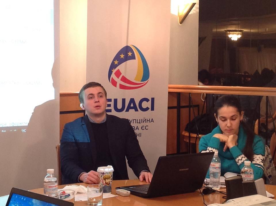 Михайло Ткач:як посадовці уникають розмов з журналістами і як цьому зарадити
